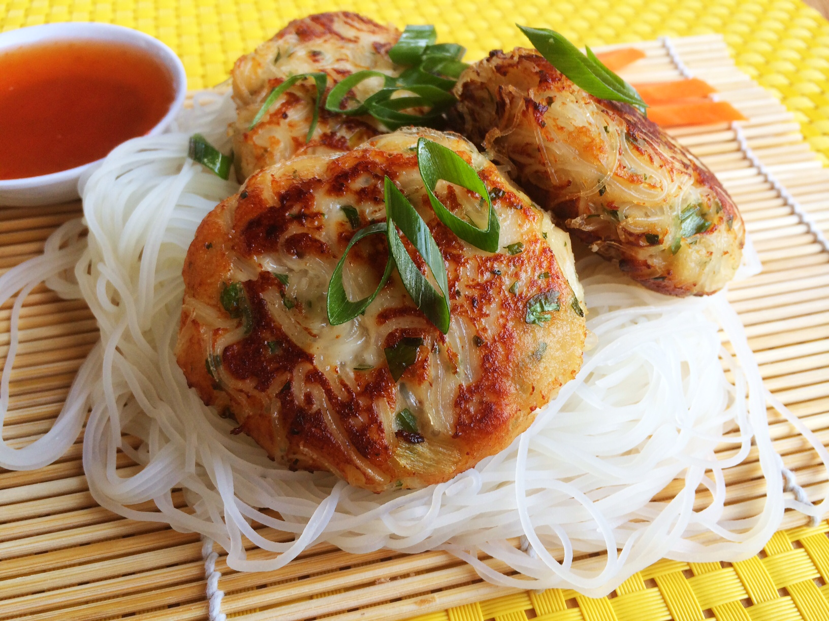Gluten free fish and noodle cakes cooking for busy mums for Rice noodle fish